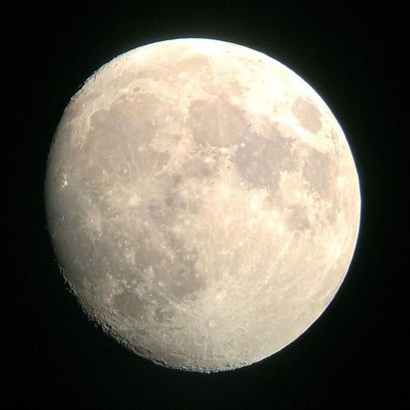 10月13日:十三夜の月】不完全で...
