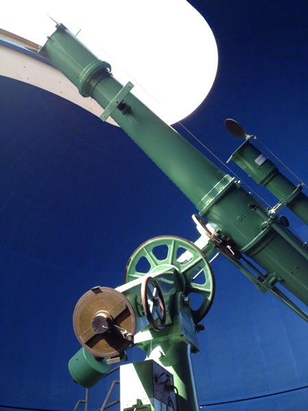 大人向けプラネタリウムイベントと神戸レトロな天体望遠鏡を持つ施設 【神戸市立青少年科学館レポ】