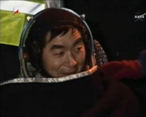 油井宇宙飛行士が無事に地球に帰ってきた